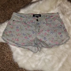 🔻30% OFF 2+ | Floral Print Denim Shorts